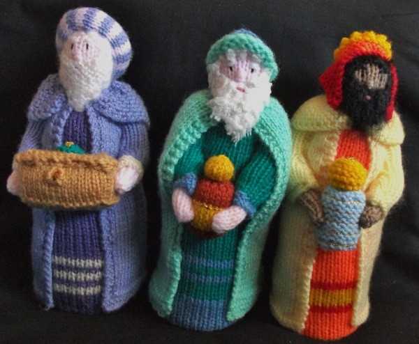 Knitting Pattern Nativity Stable : BRAND NEW HAND KNITTED NATIVITY STABLE WITH FIGURES